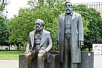 A picture named 687px-Marx_Engels_Denkmal_Berlin.jpg